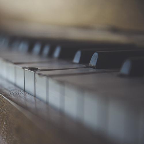 ピアノによる静かな旋律